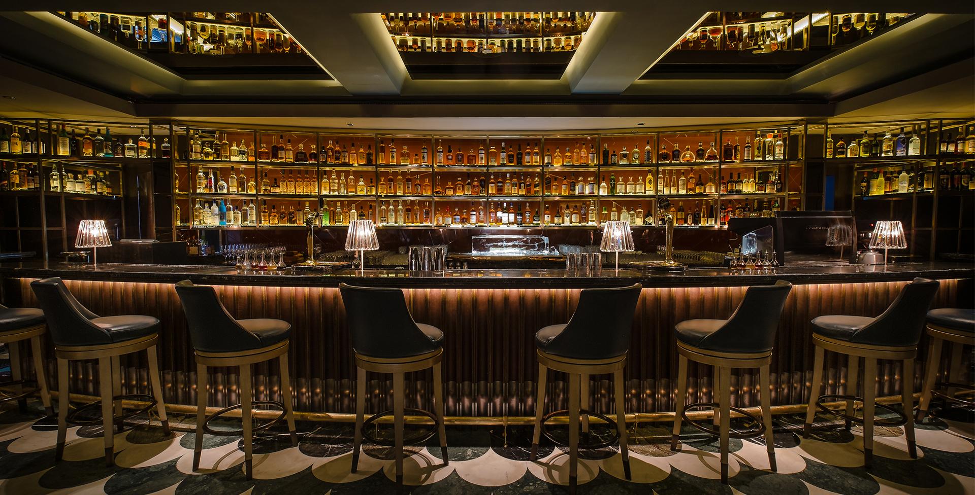 Manhattan Bar, Regent Hotel - Men's Style Council Place