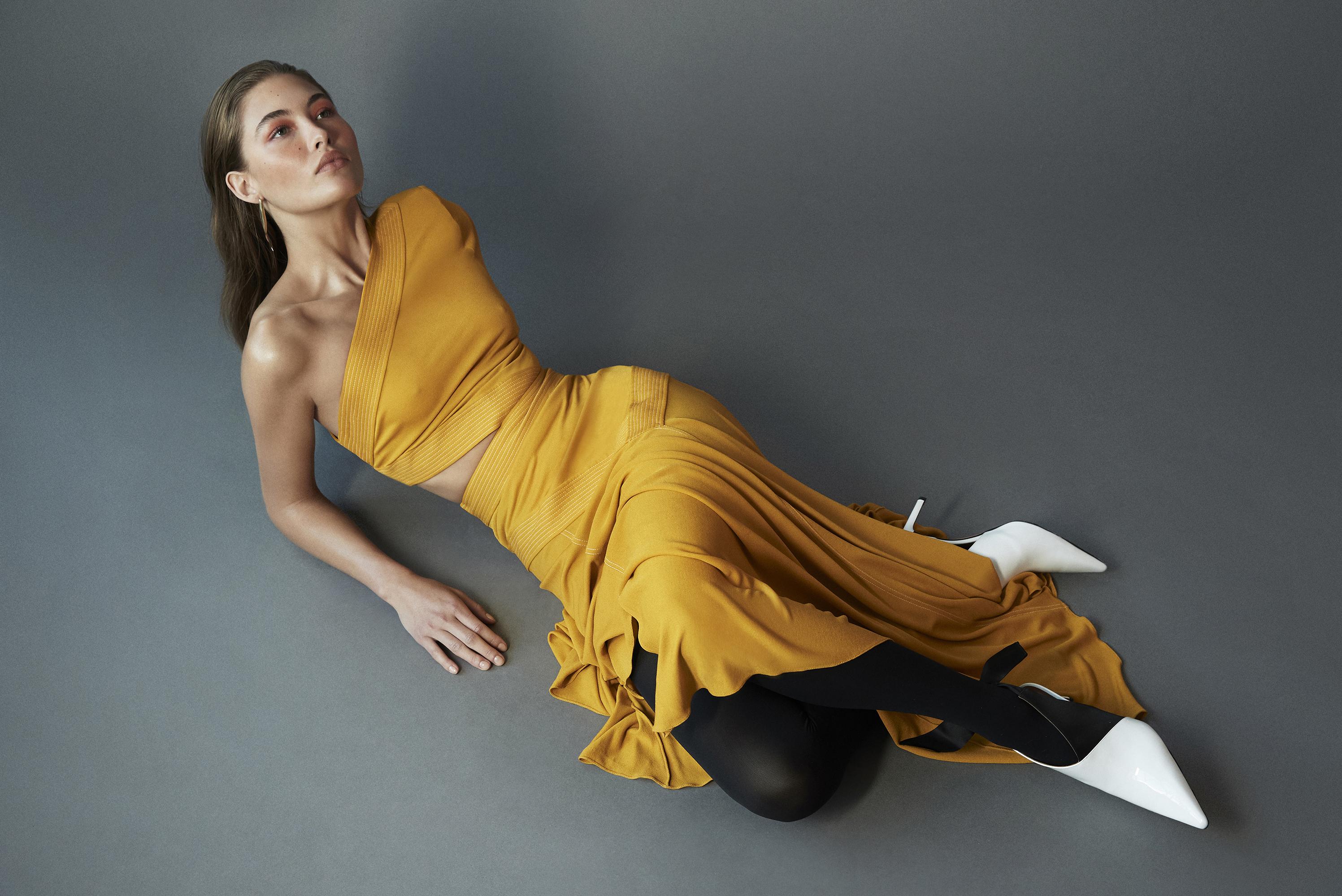 937c472ee7a9 Grace Elizabeth Models The Season s Standout Pieces