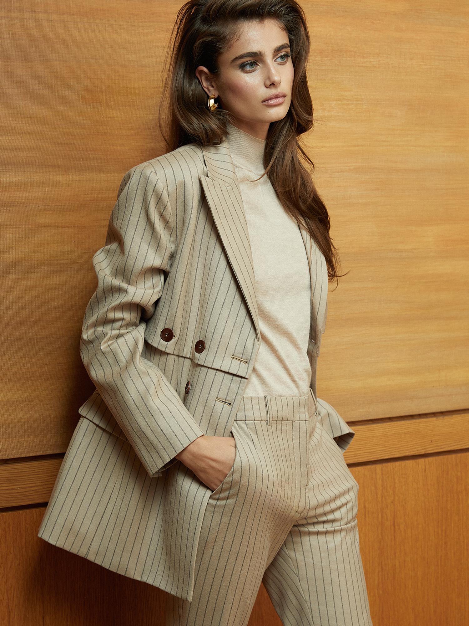 9ec695d59a2e Victoria's Secret Model Taylor Hill Wears FW18's Most Elegant Tonal Pieces  | PORTER