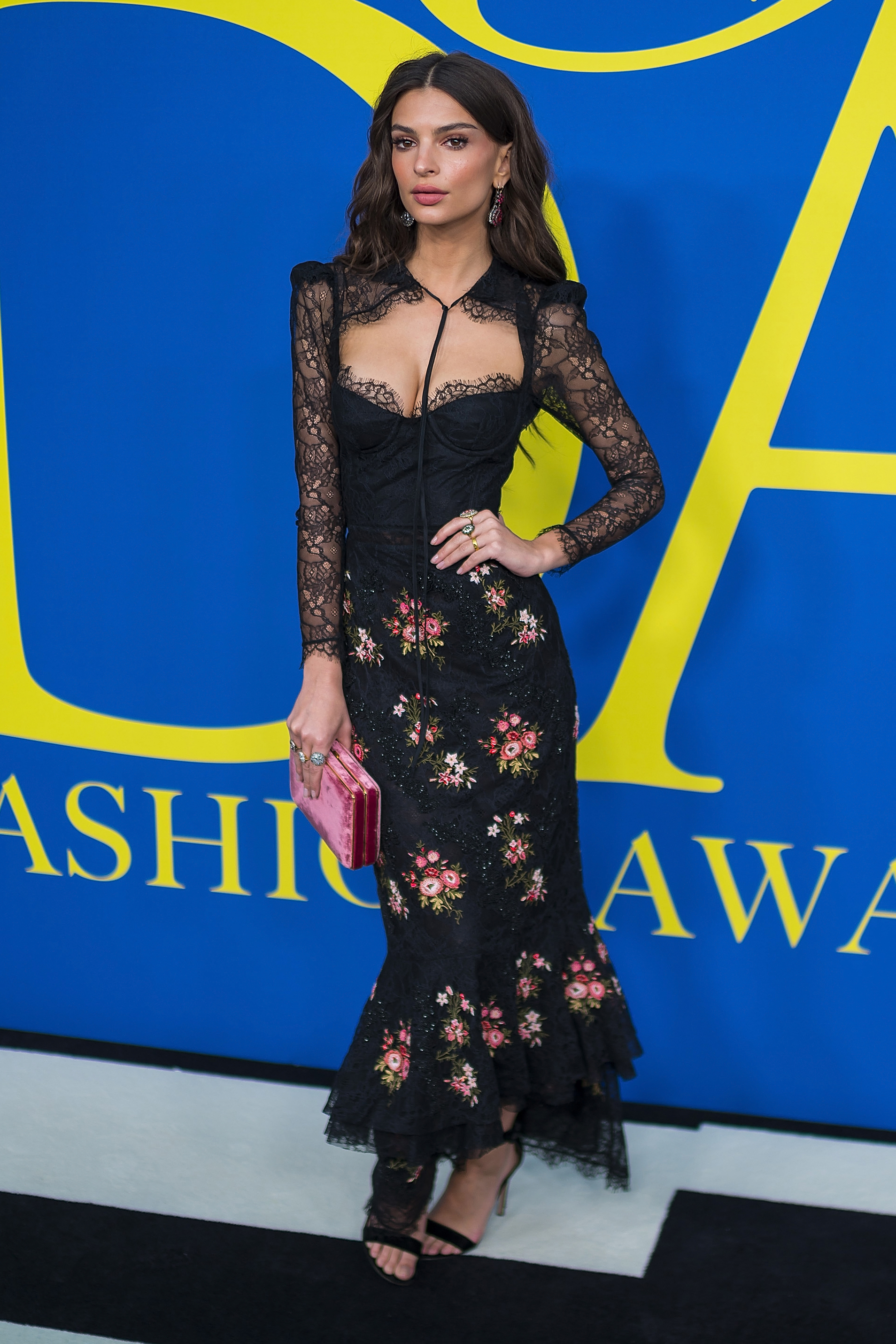 69077924fd8 Best Dressed Of The Week  The Best Street Style   Red Carpet Looks ...