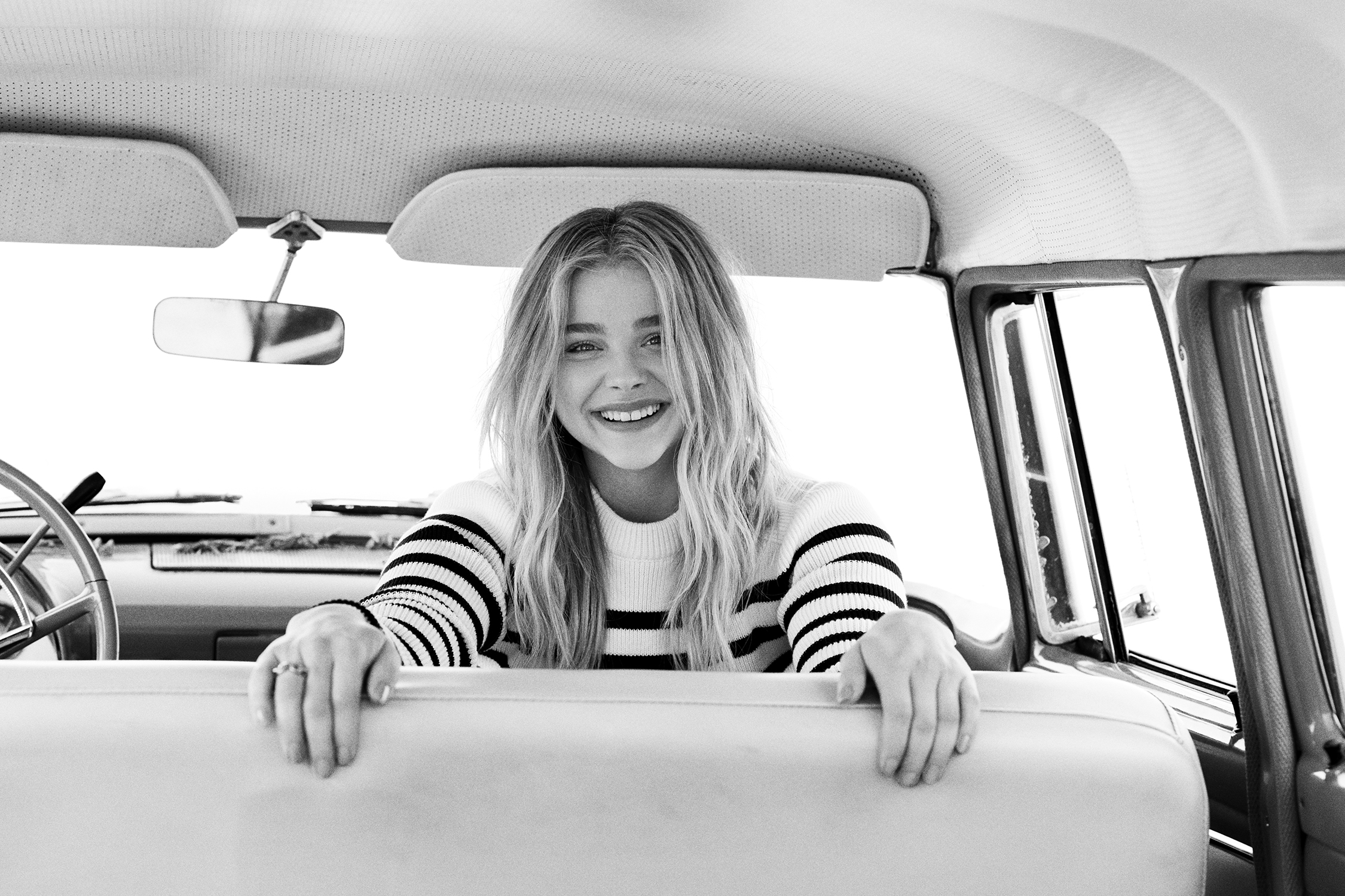 518a295544 Chloë Grace Moretz Talks Movies, Sexuality & Turning Her Back On ...