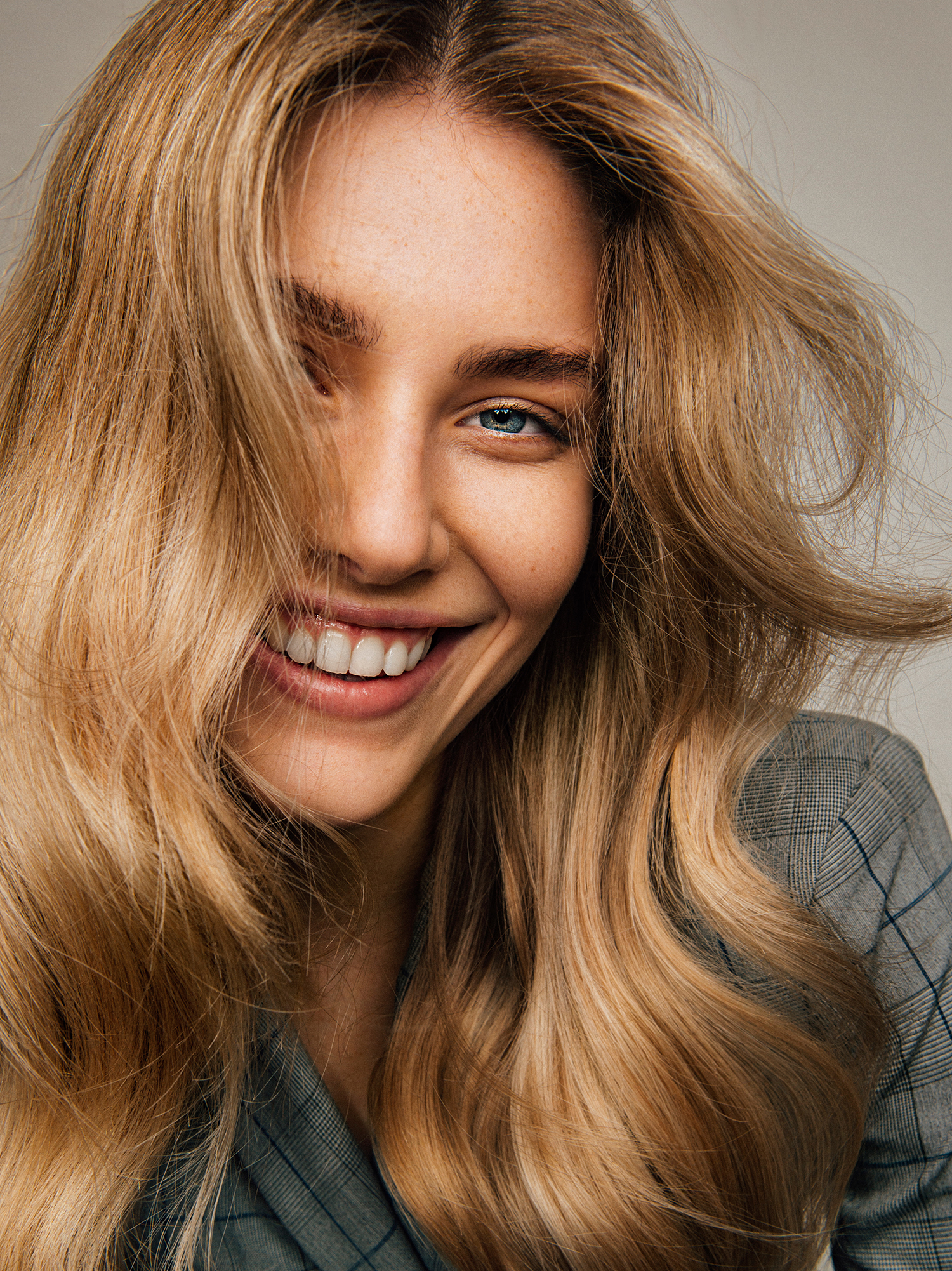 How To Style Your Hair At Home Like A Pro Porter